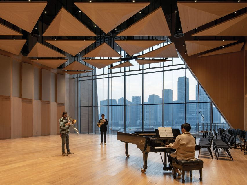 A rehearsal room in Tianjin Juilliard School