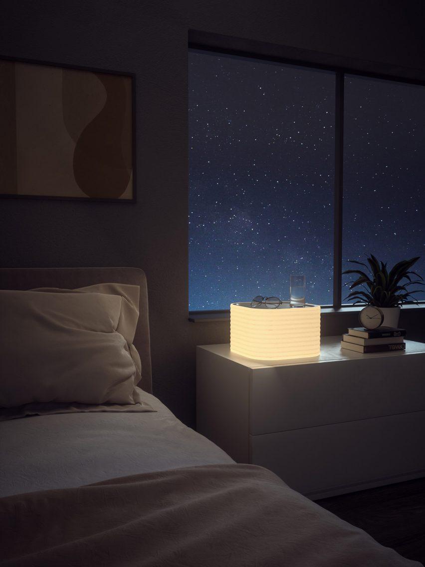 Silvon's Tray Table Light at night