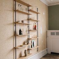 Oak wall shelving by Moebe