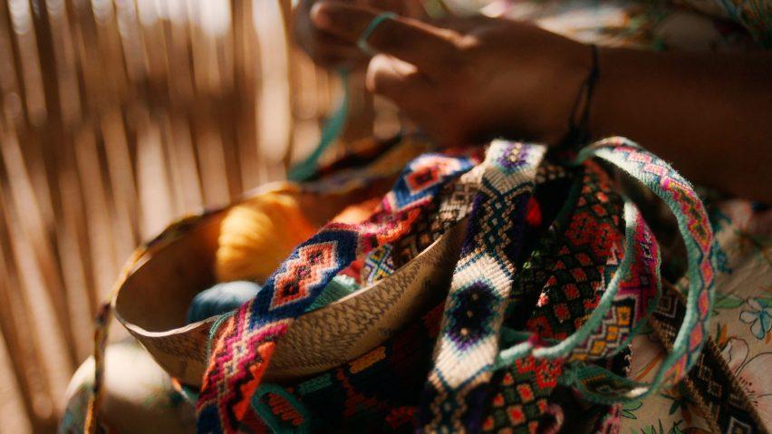 Colourful straps woven by Wayúu artisans