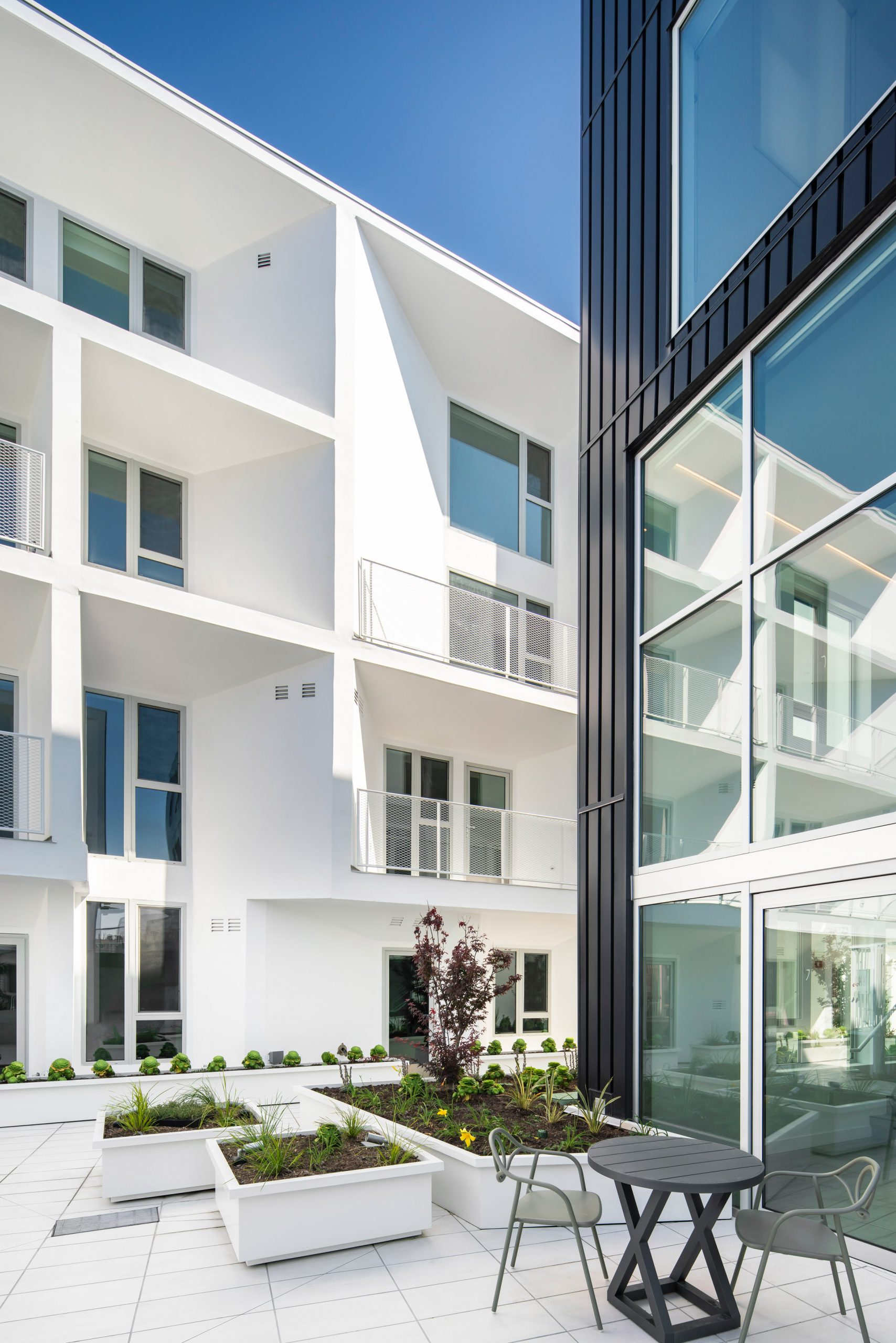 Westgate1515 by LOHA is a black and white apartment block