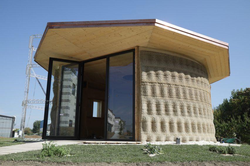 It has a hexagonal shaped roof