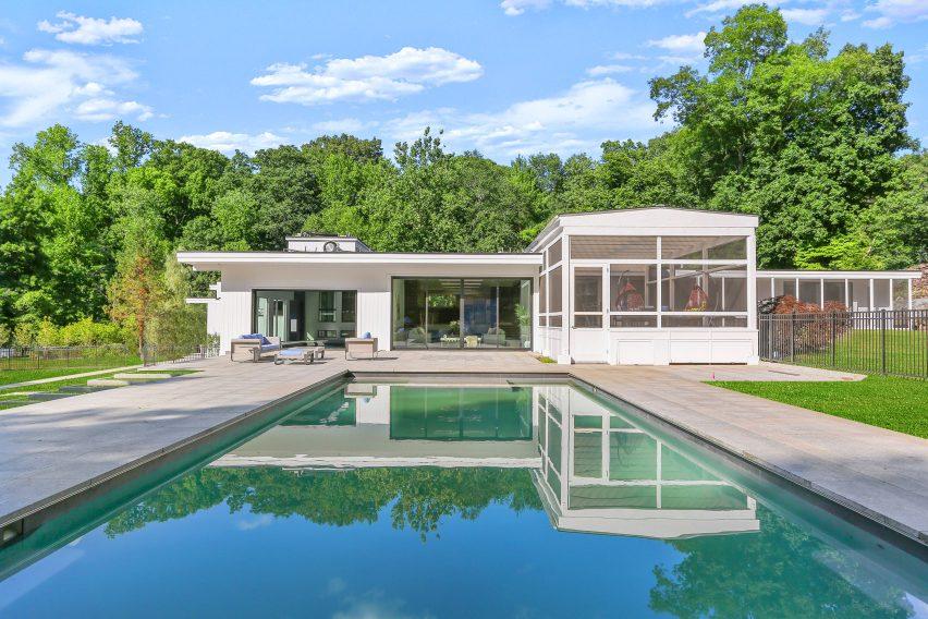 Rumah kolam renang dari 862 Fenimore