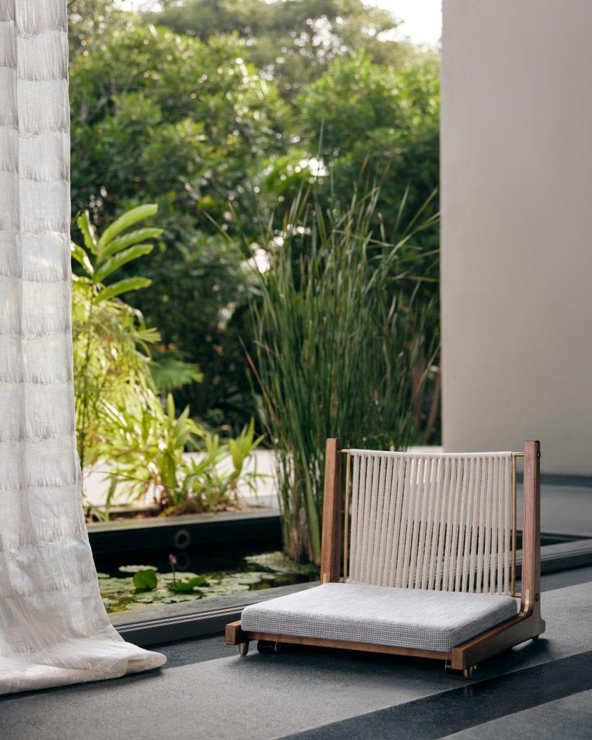 Low-seated Kelir chair by Magari