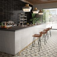 Bar with horizontal Crogiolo Lume tiles by Marazzi