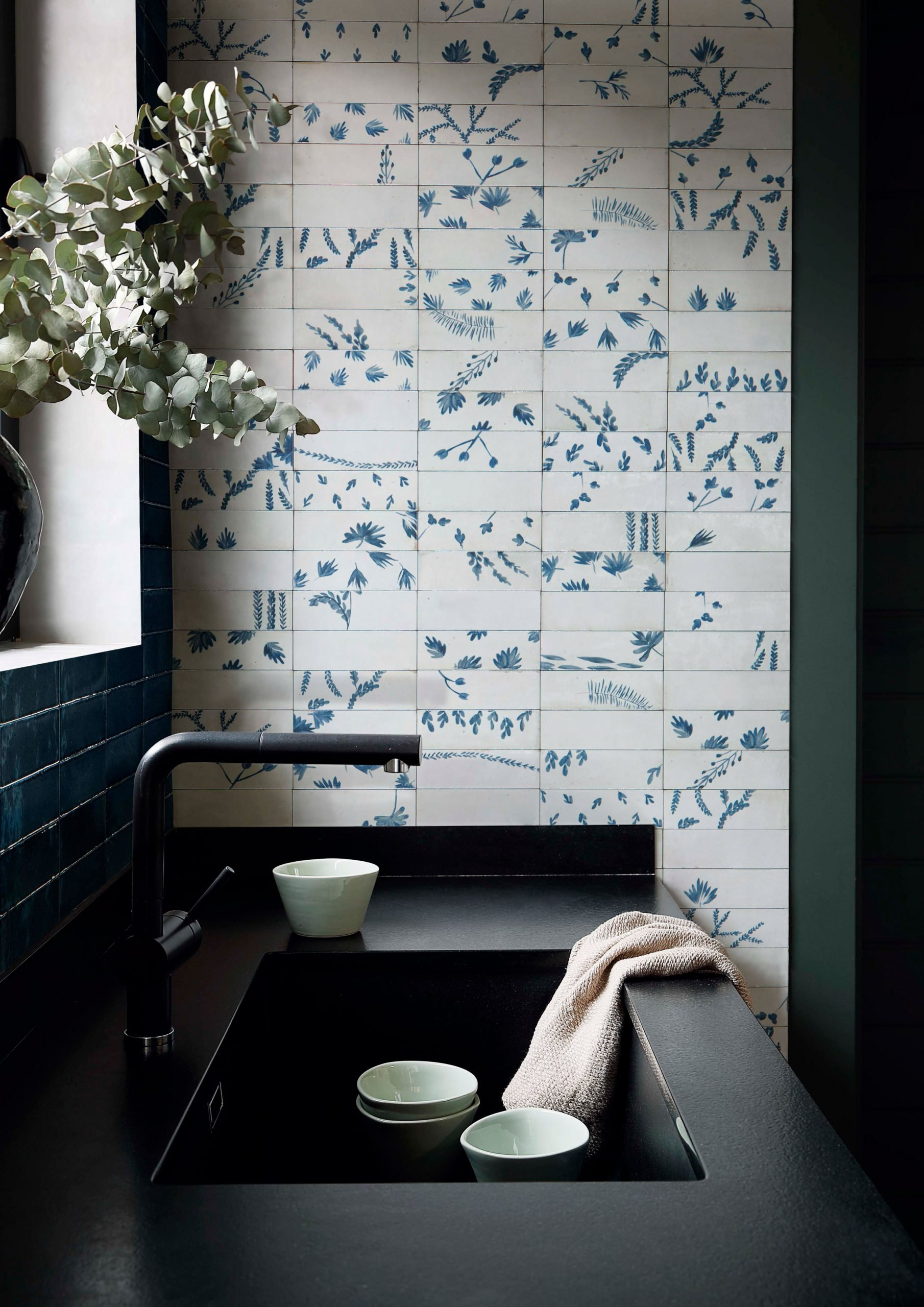 Botanical blue prints on Mediterrean-style kitchen tiles