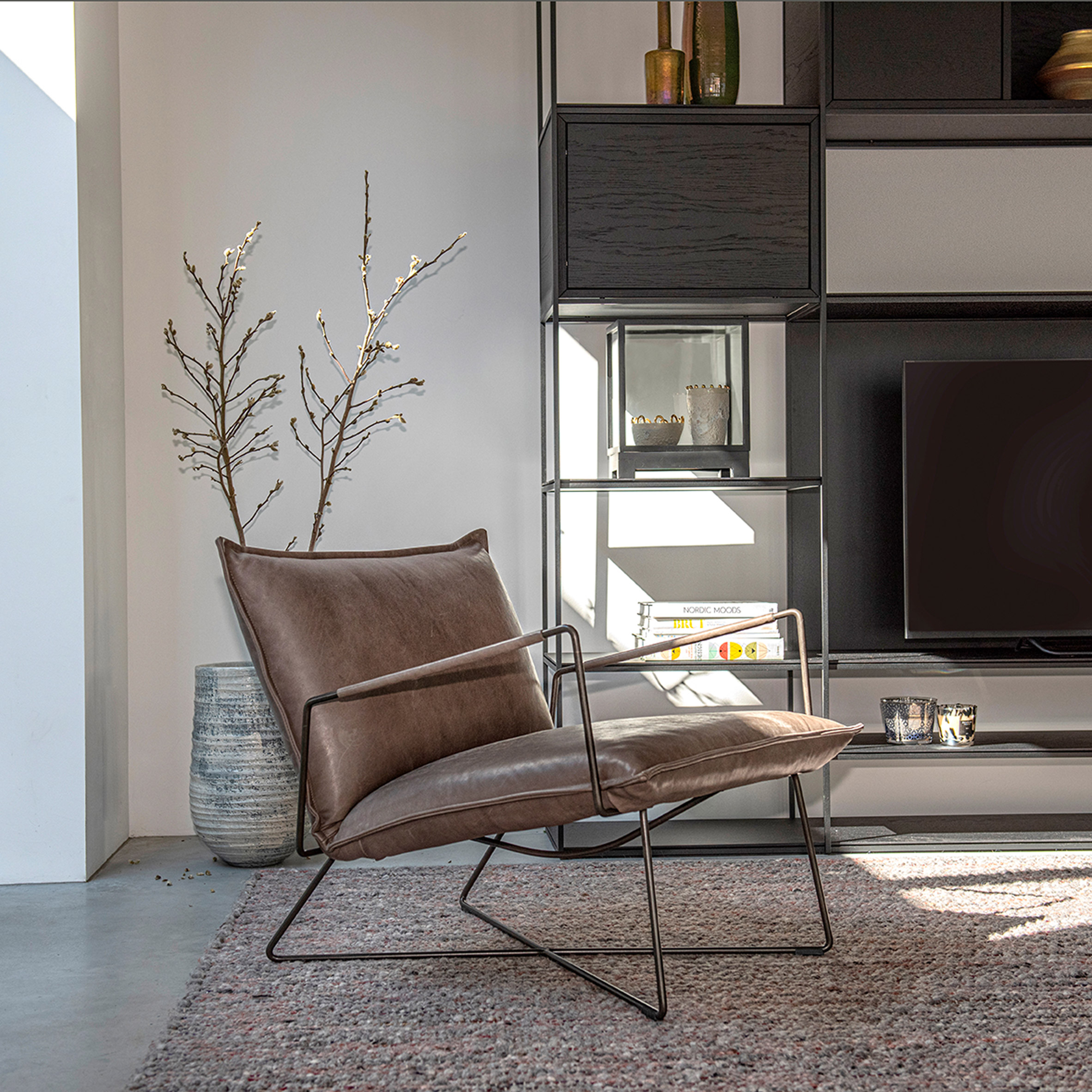 Earl lounge chair by Jess