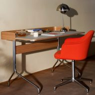 Pavilion AV16 and AV17 desks by Anderssen & Voll for &tradition