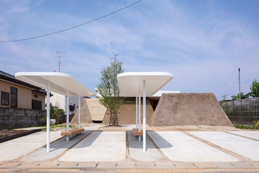 Landscape of Soil House by ADX architects