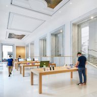 Foster + Partners turns palazzo in Rome into Apple Store