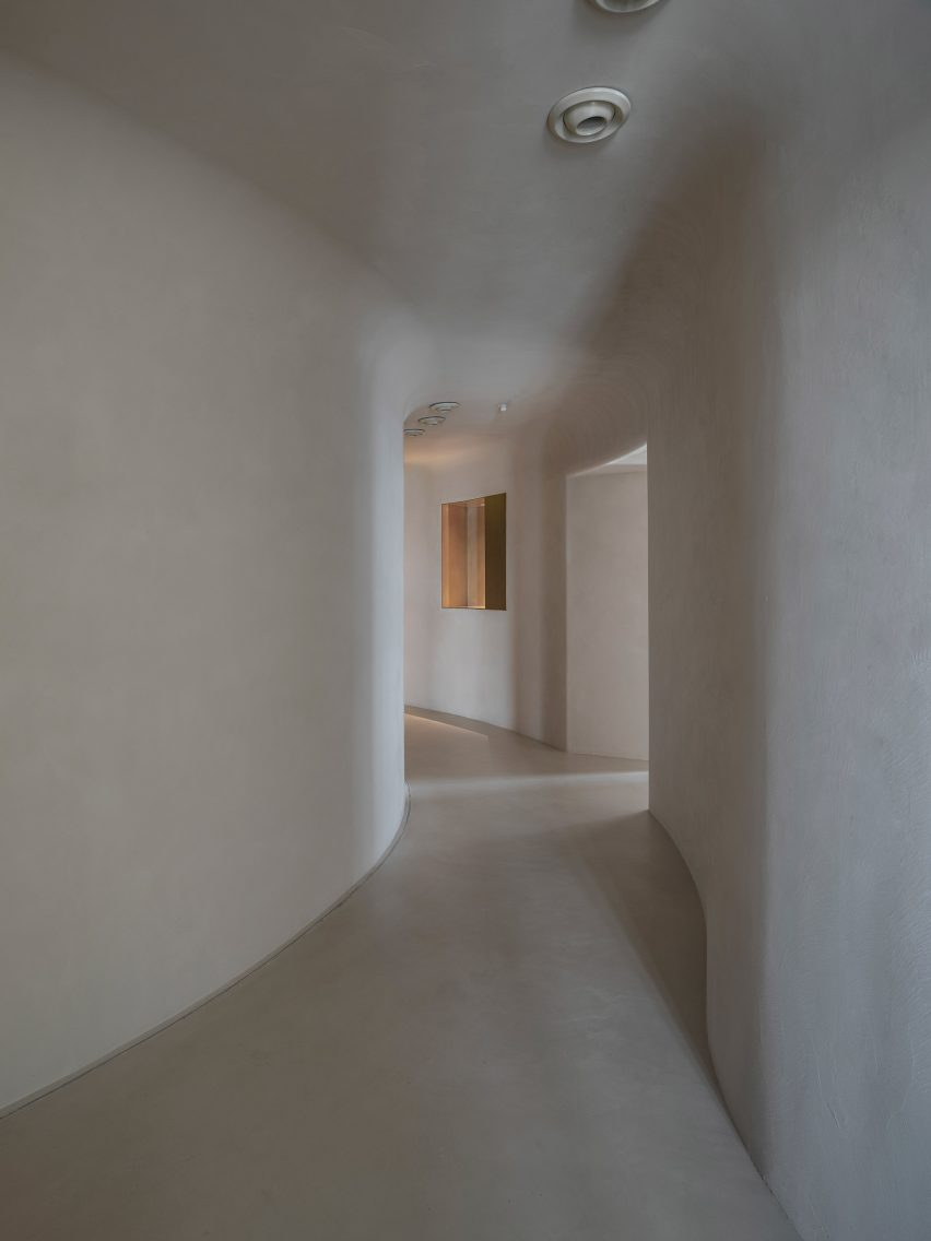 Walls and ceilings seamlessly blend into one