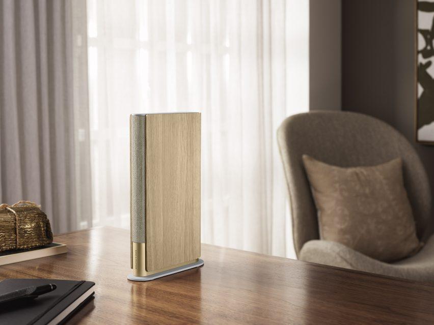 Gold Beosund Merge speaker