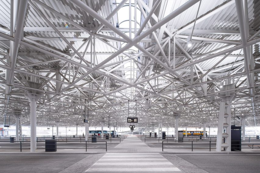 Large columns support a terminal steel roof