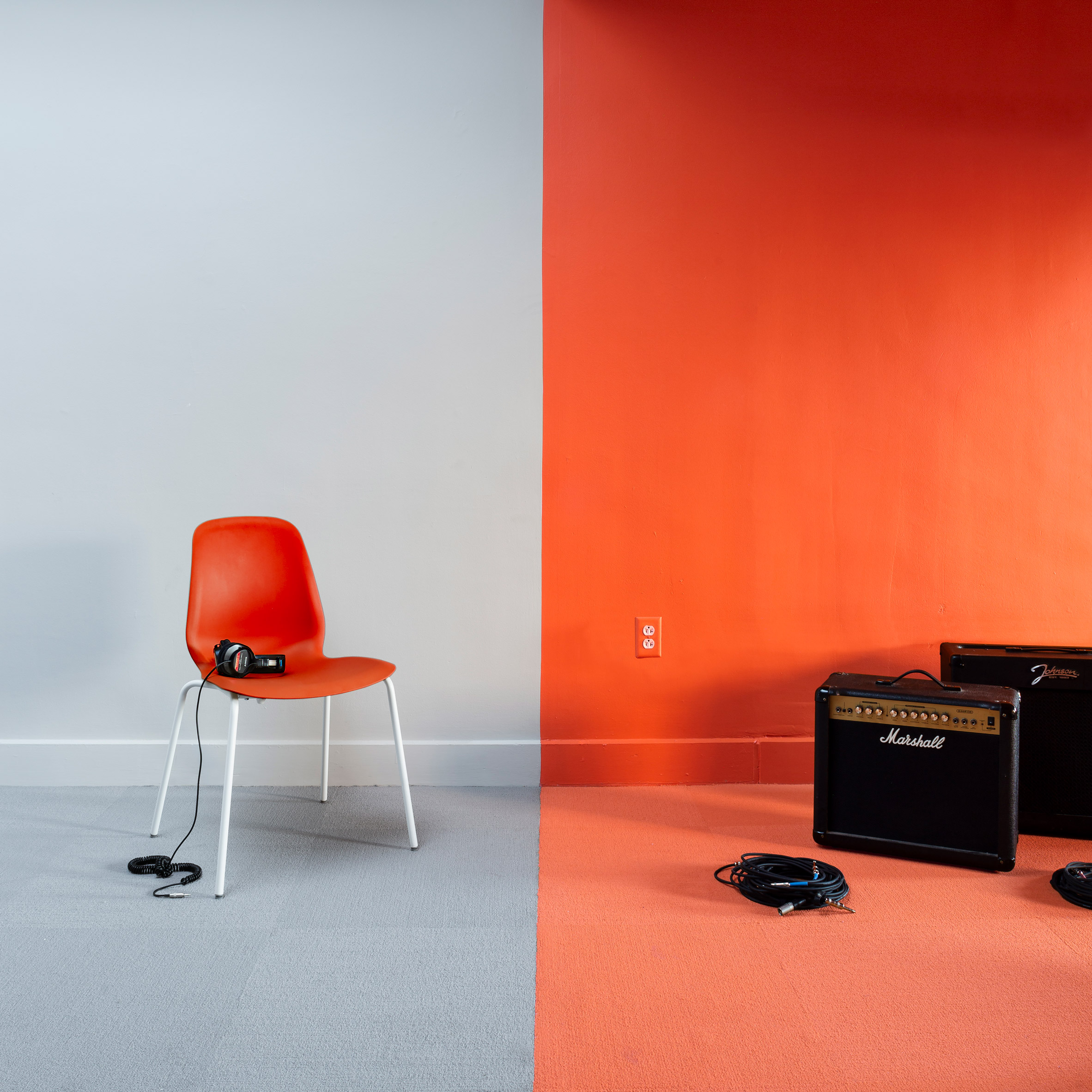 Colour-blocking explored in rooms at Yale University