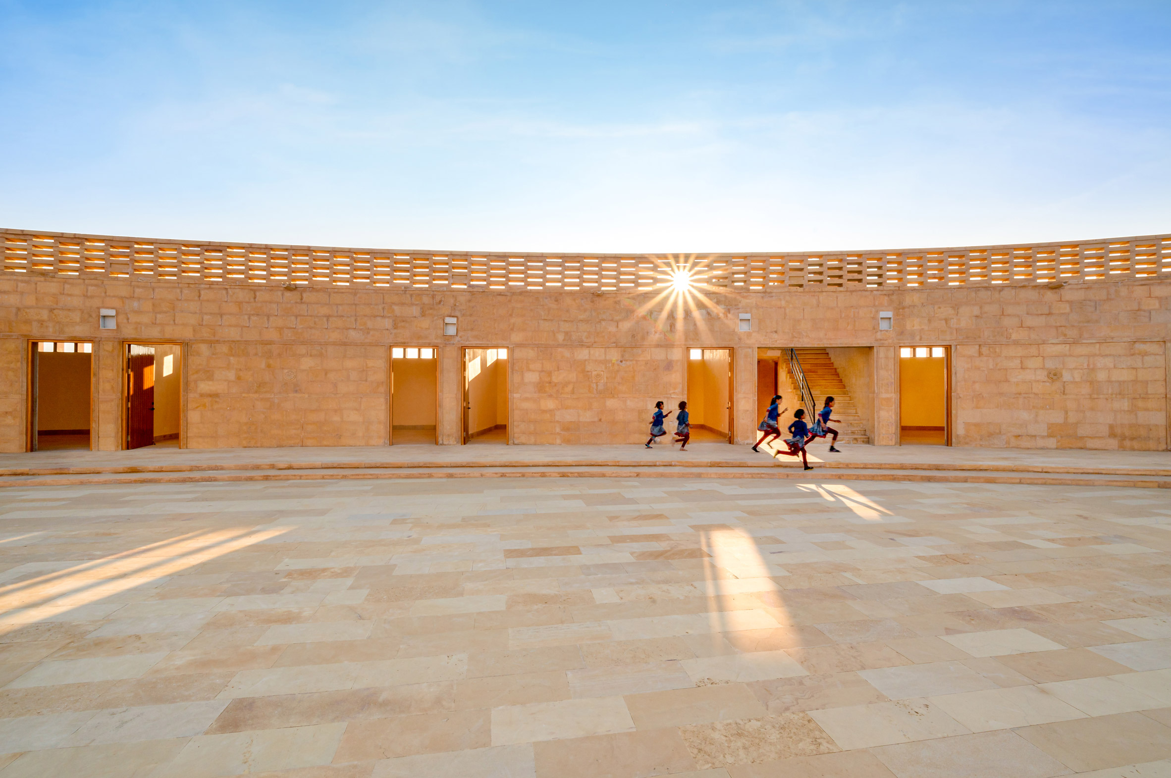 Light dapples into the courtyard by Diana Kellogg Architects