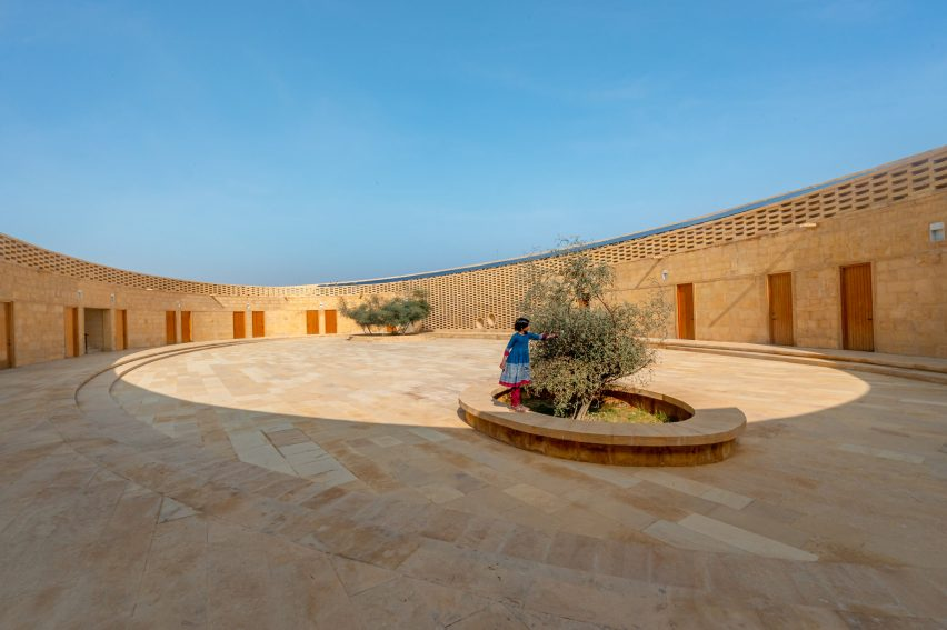 Sandstone school in India