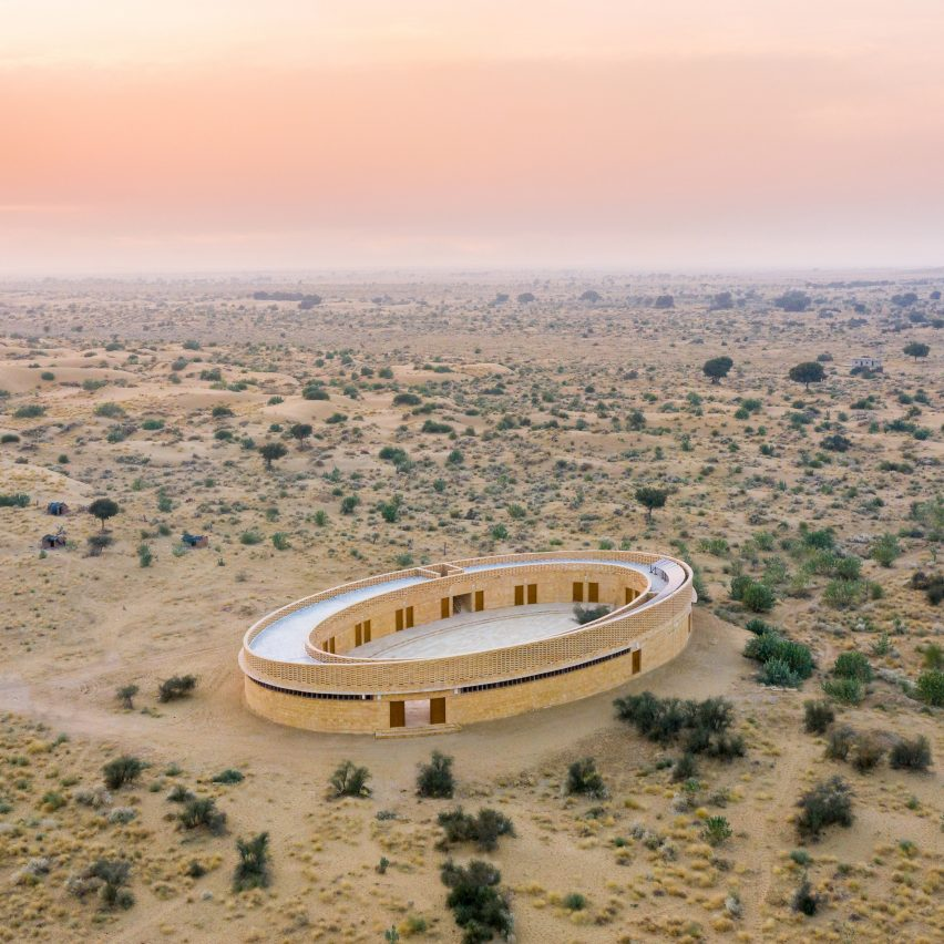 Diana Kellogg Architects creates oval-shaped school in India's Thar Desert