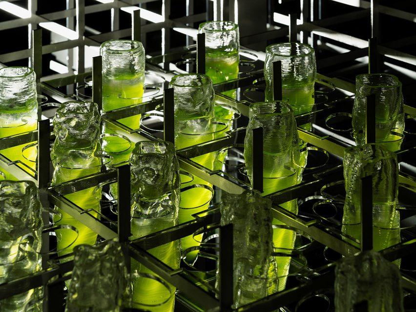 3D-printed crystal glasses in algae-inspired shapes