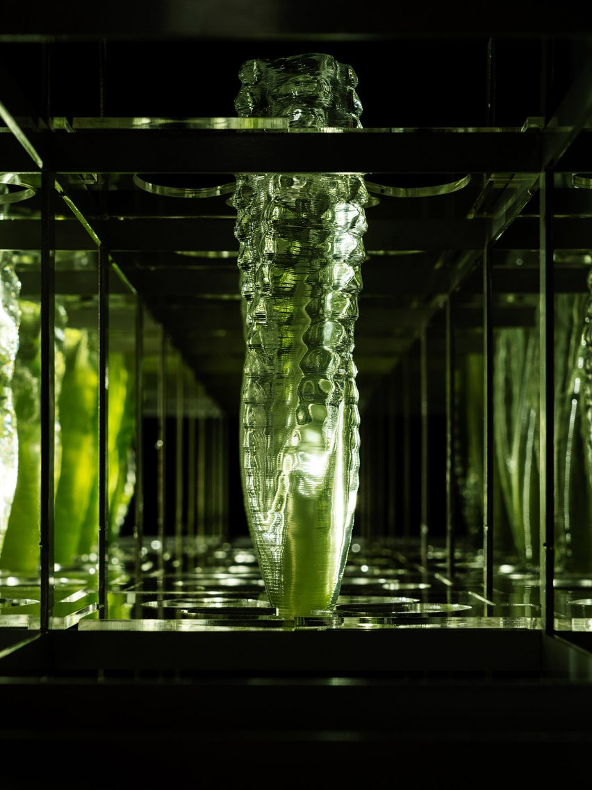 3D-printed glasses containing drinkable algae