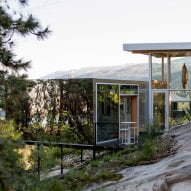 F2A Architecture creates mirrored addition for house in British Columbia