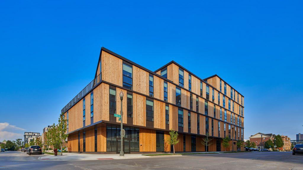 LOHA clads John R 2660 apartment building in Detroit with cedar