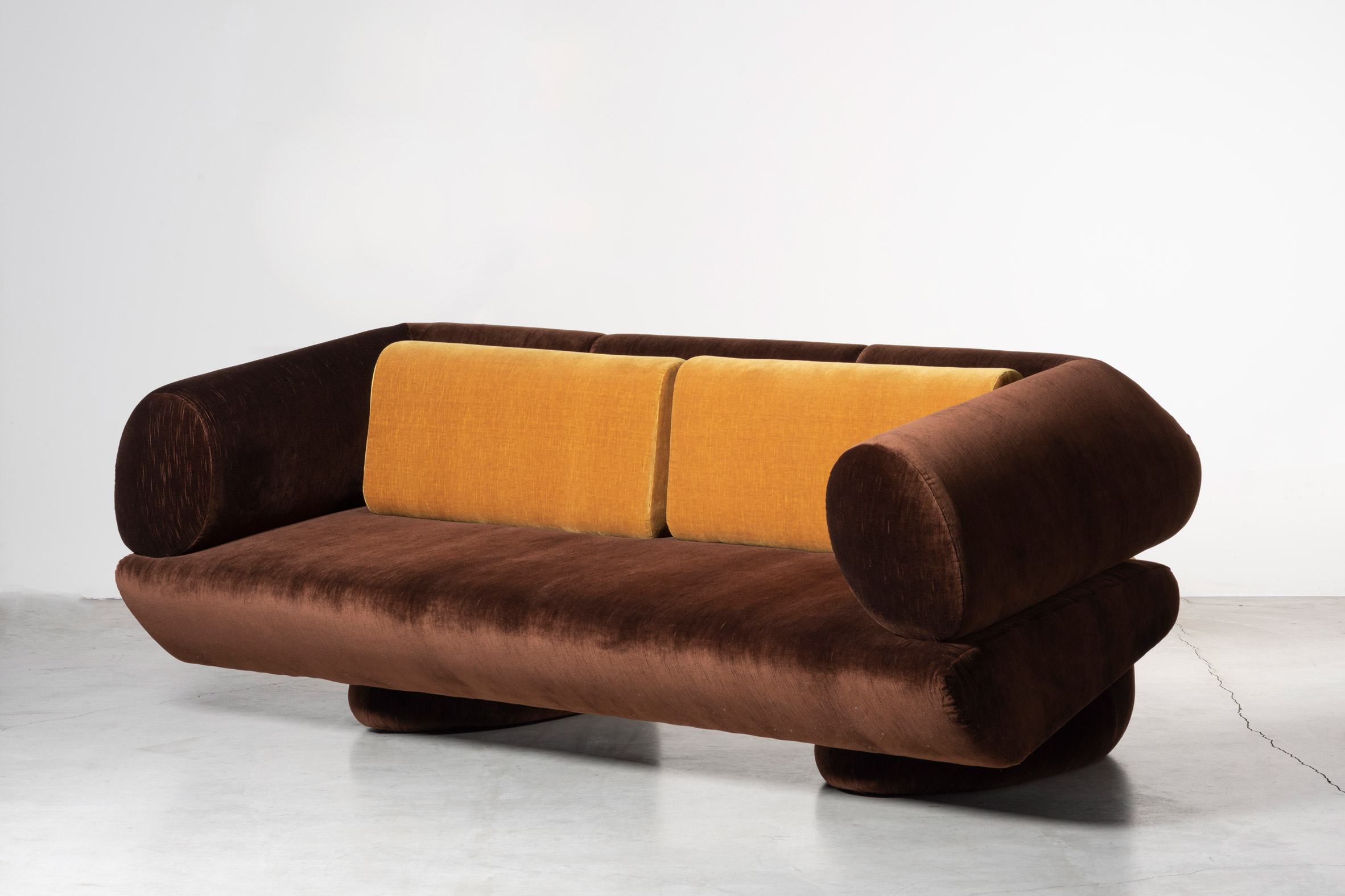 Brown Transformers sofa in vintage cotton upholstery