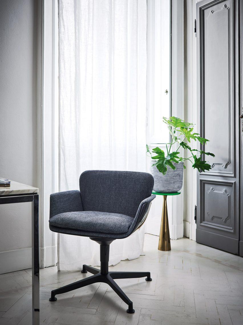 KN06 armchair