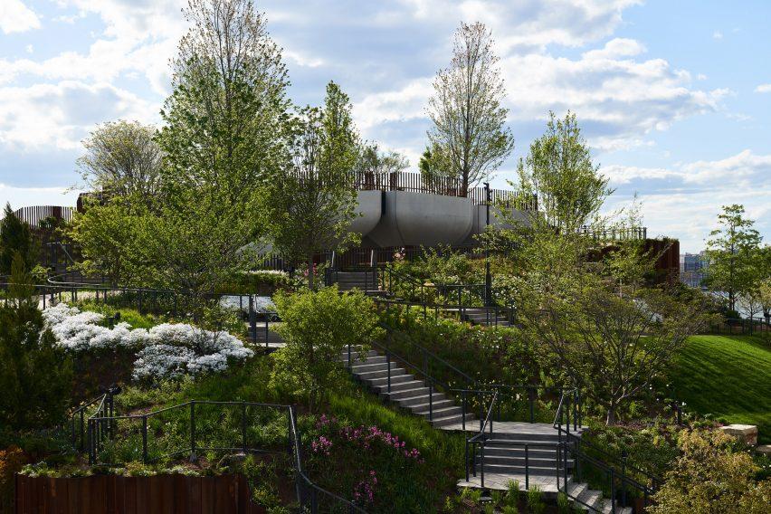 Thomas Heatherwick completes park on the Hudson River