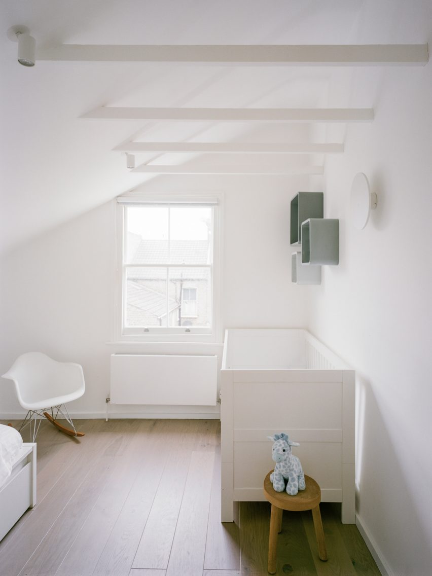 Matthew Giles Architects kept rooms light and bright