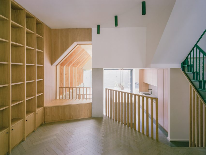 Matthew Giles Architects inserted a reading nook into the ground floor