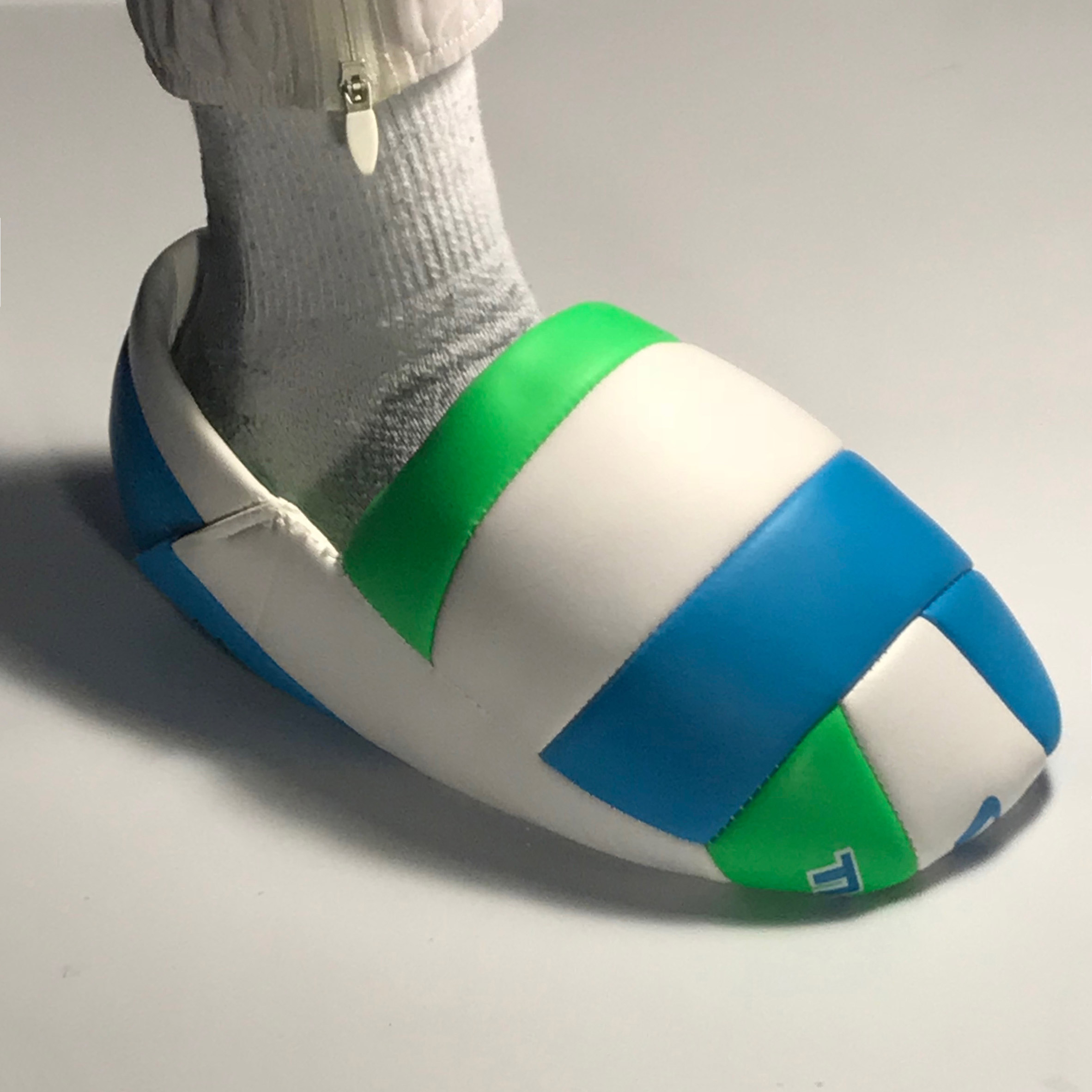 Volleyball shoe