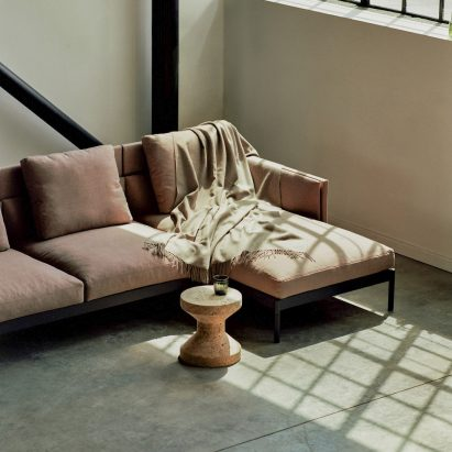 Total sofa with a chaise longue