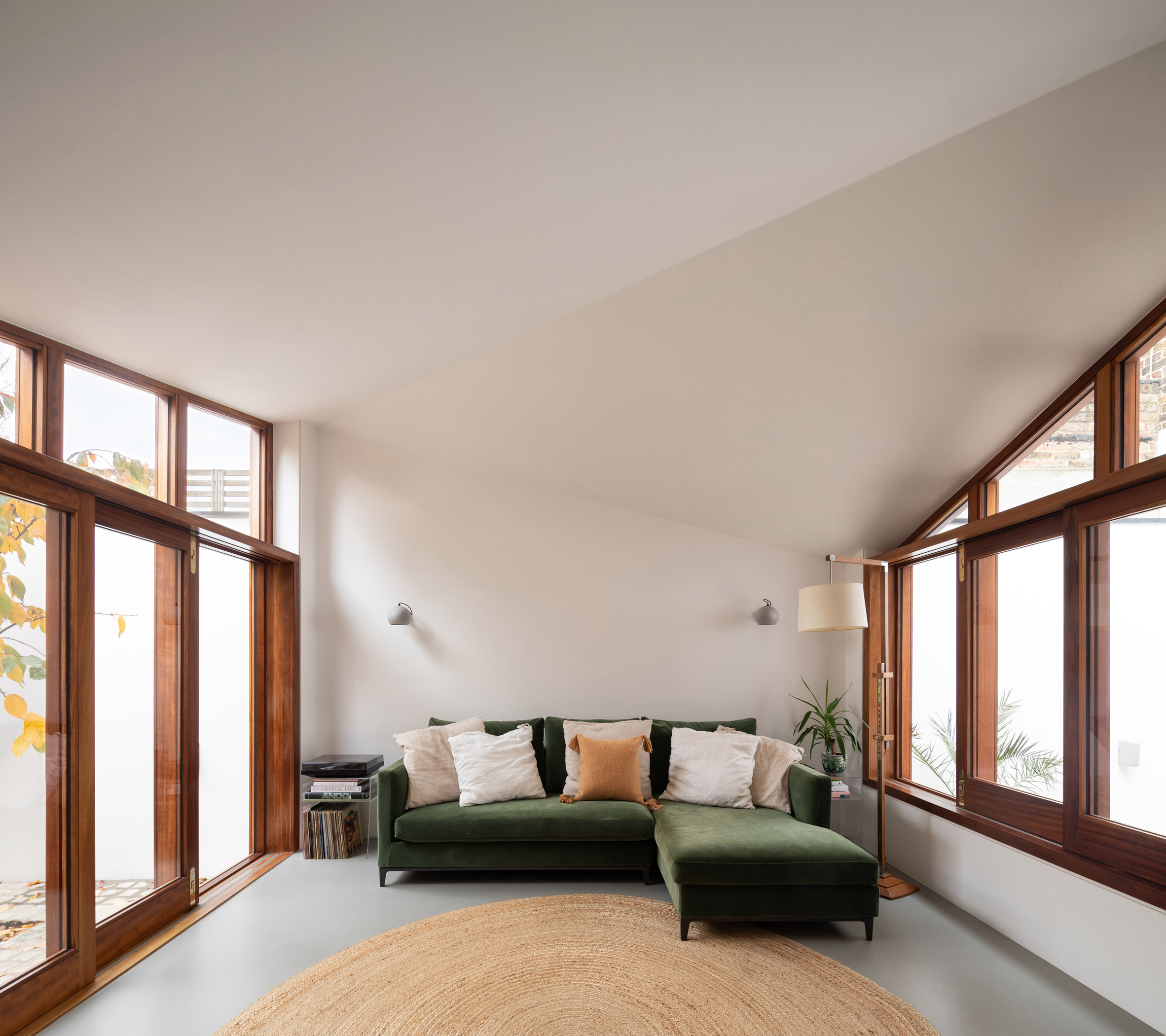 A living area flanked by two courtyards