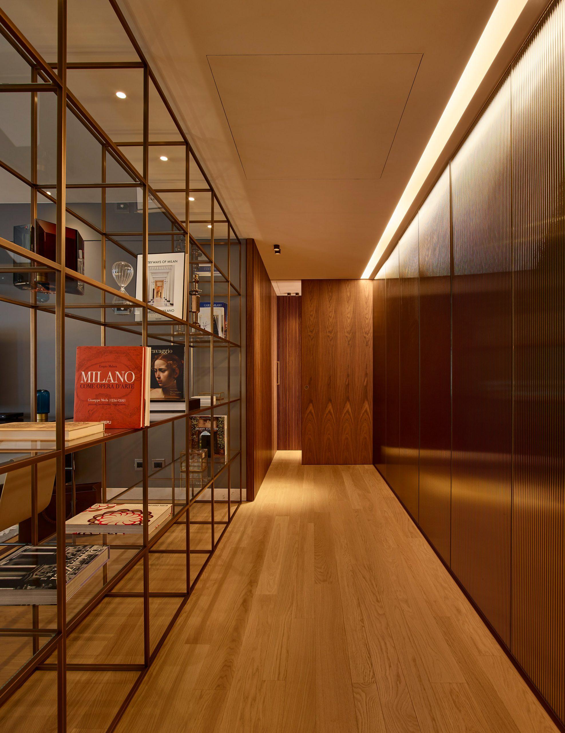 Wood-clad corridor by Lualdi