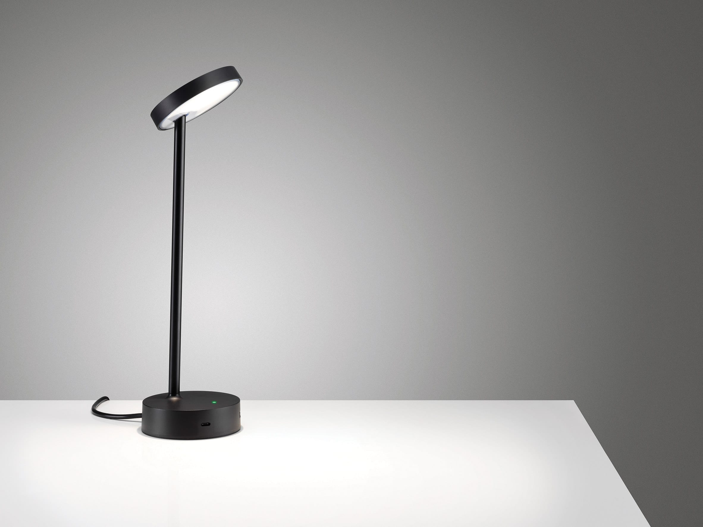 Lolly desk light by Colebrook Bosson Saunders