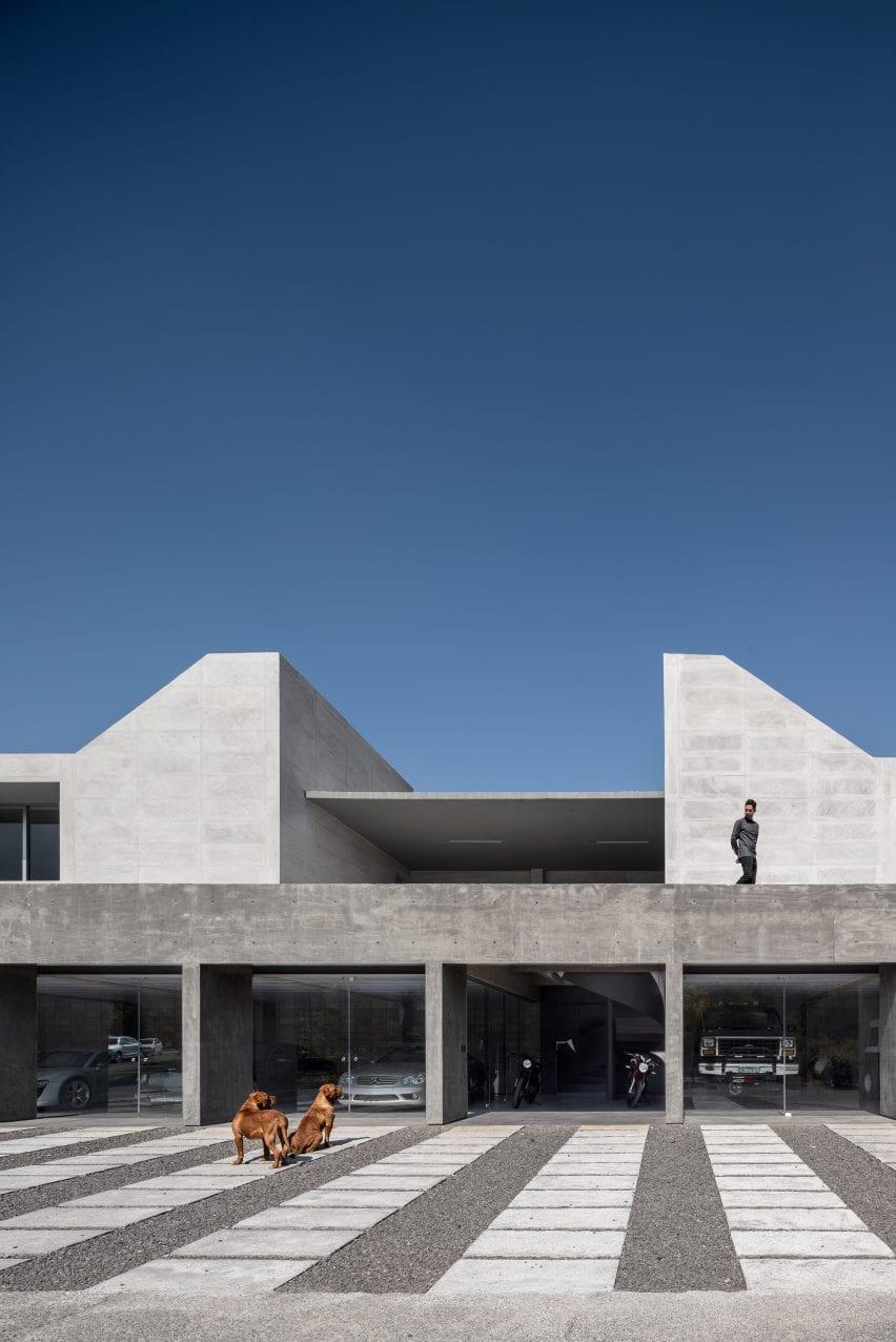 Morari Arquitectura designs concrete pavilion