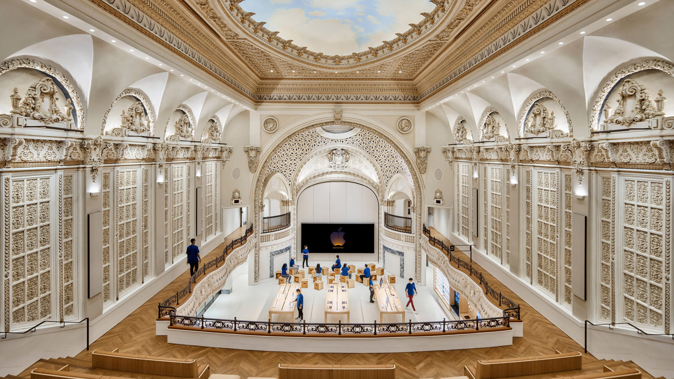 Forum of the Apple Store built inside an old cinema in Los Angeles
