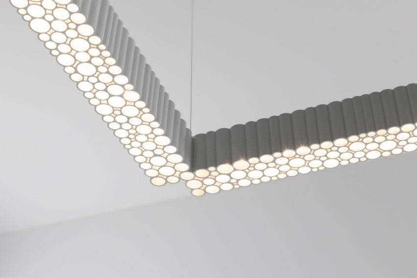 The white Calipso Linear light