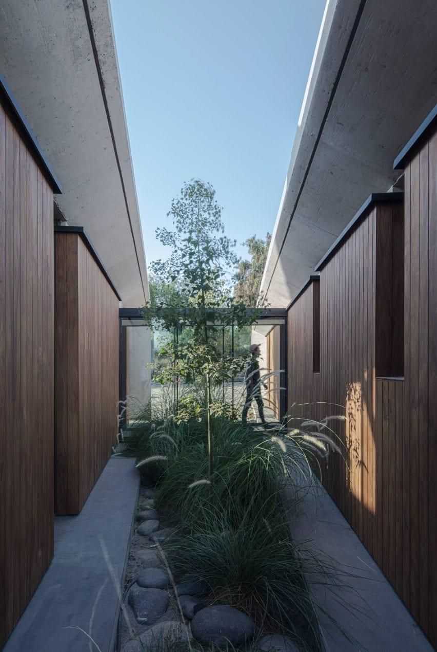 Duque Motta & AA designed the project