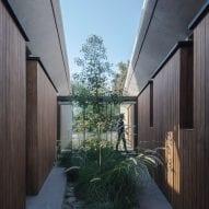 Lush courtyards punctuate Chilean retreat Casa Altos by Duque Motta & AA