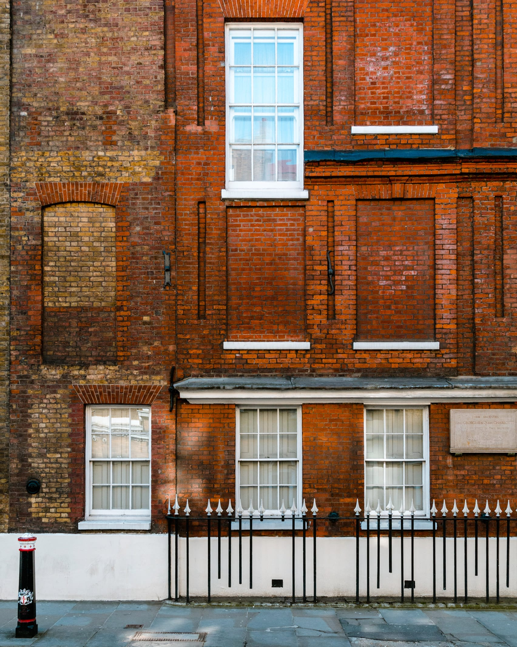 A dwelling in London featured in Daylight Robbery