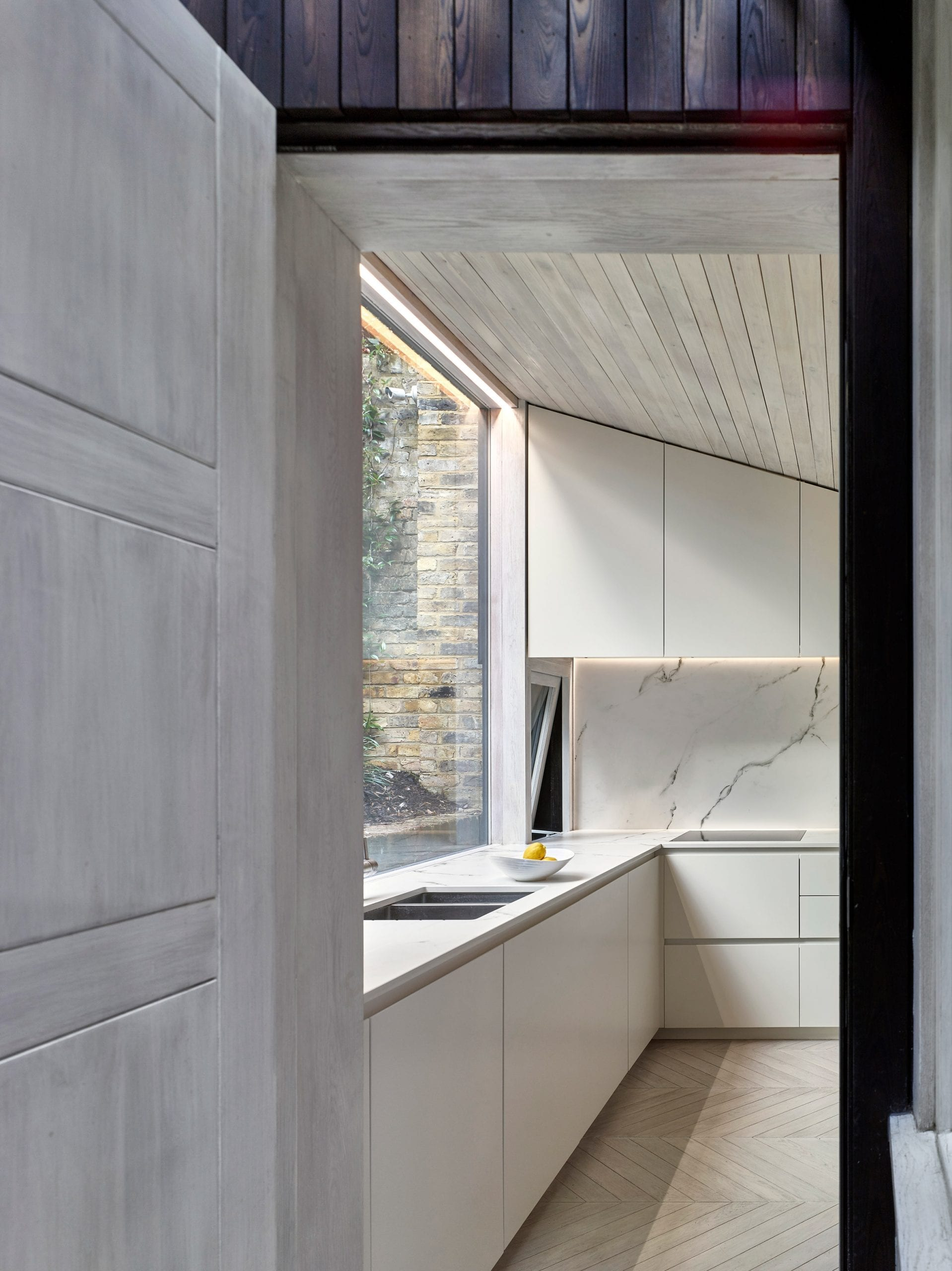 L-shaped kitchen by hayhurst and co