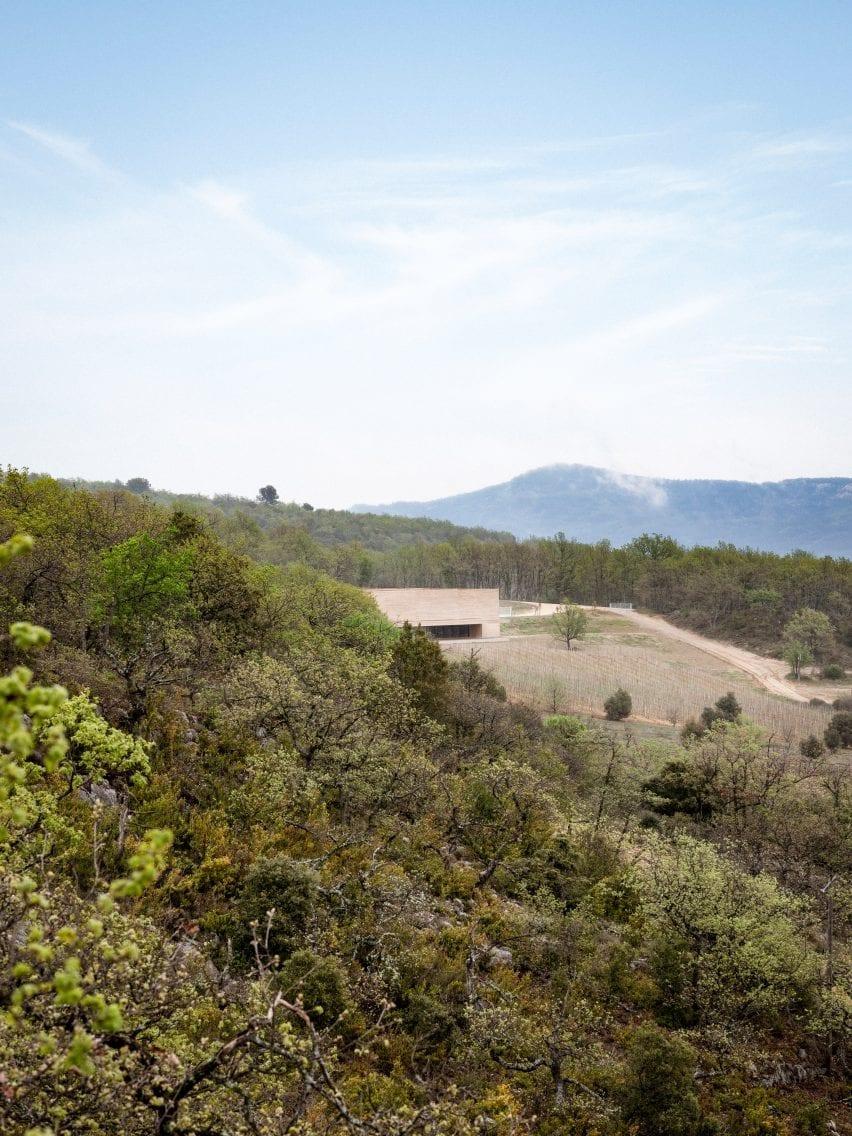 Les Davids winery by Marc Barani Architectes inProvence-Alpes-Côte d'Azur, France
