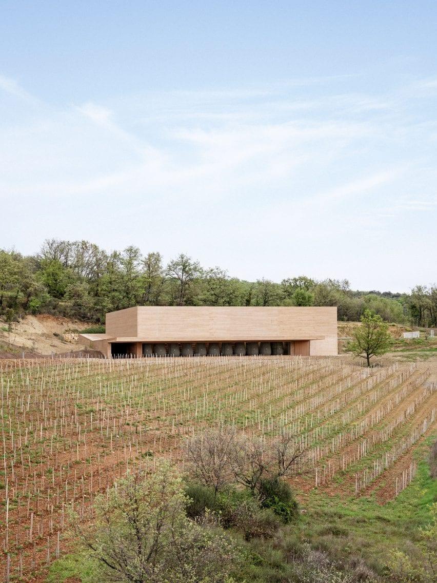 Ochre-coloured concrete winery