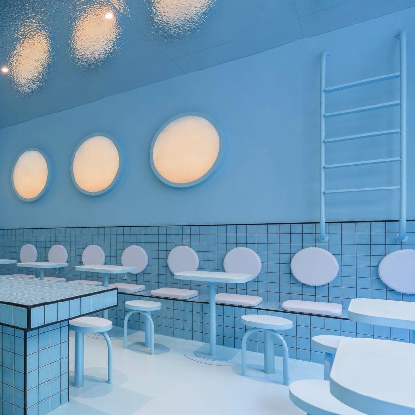 Masquespacio designs colour-blocked burger joint in Turin