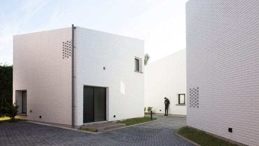 Argentine houses made from white brick