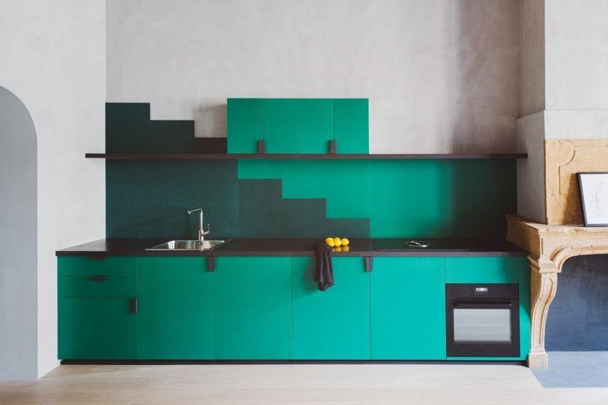 آشپزخانه یک جداره هندسی سبز استودیو رضوی