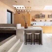 Peninsula kitchens