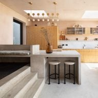 Ten space-saving peninsula kitchens designed by architects