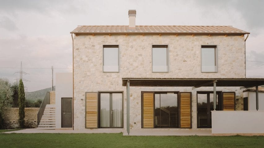 The house was constructed using light stone
